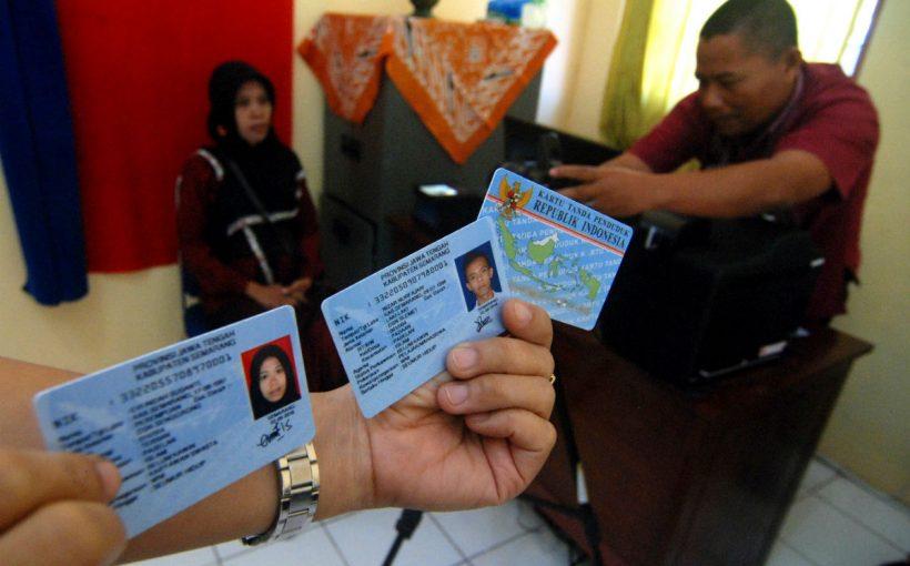 layanan kartu tanda penduduk elektronik (e-KTP)