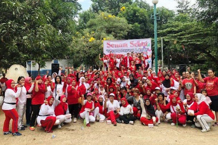 """BMP mengajak masyarakat ikut bergoyang mengikuti irama Senam Sehat """"Goyang Dayung Jokowi"""","""