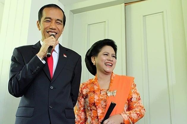Presiden Jokowi yang didampingi Ibu Negara, Iriana Joko Widodo