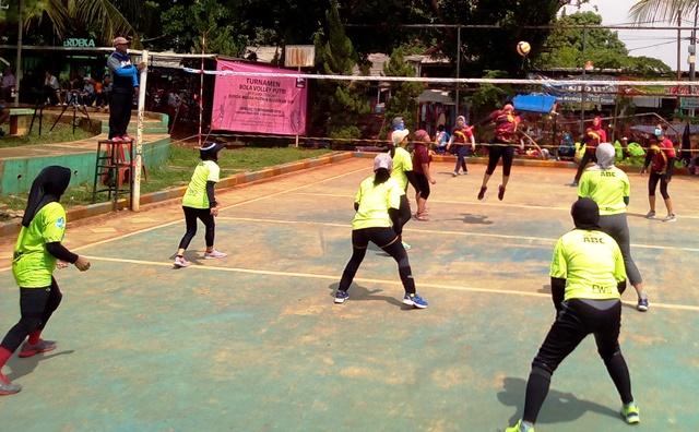 turnamen Bola Voli Putri 2018, di Lapangan Taman Kota, Jalan Merdeka Raya, Depok, Minggu (11/11/2018) pagi