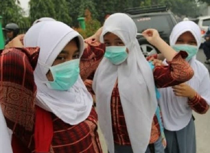 Gubernur Riau Instruksikan Sekolah Libur Karena Asap